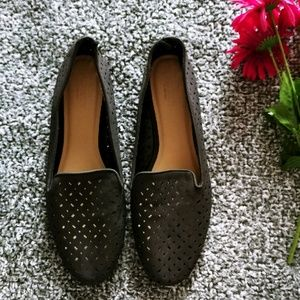 Old Navy perforated loafers sz 10 (A22)